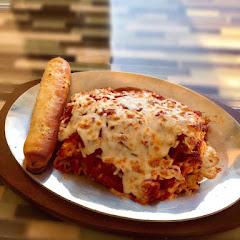 Lasagna & garlic bread stick 11/10 rating