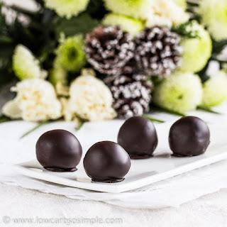 Classy Low-Carb Chocolate Rum Balls (Vegan)