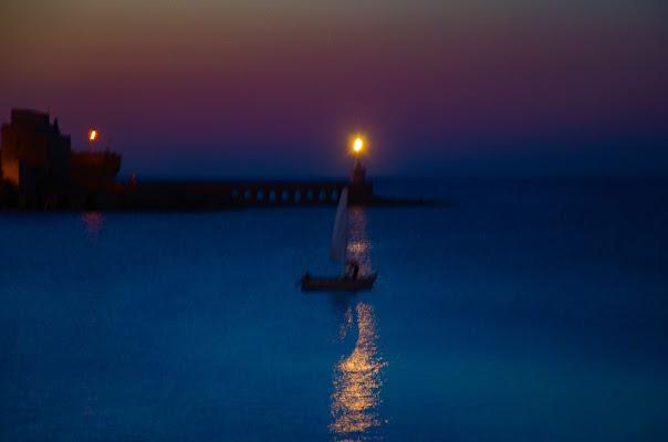 Io e il mare, uscita notturna. di Gian Piero Bacchetta