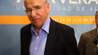 Alfonso Guerra, ex vicepresidente del Gobierno a su paso por los curos de verano de la UAL