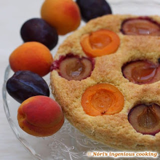 Apricot-plum Sponge Cake