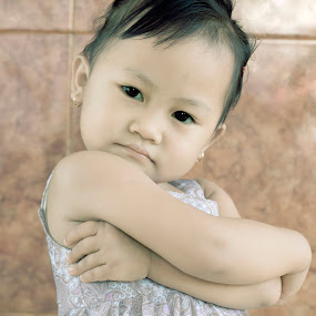 child my pose by Wahyu Tri - Babies & Children Child Portraits
