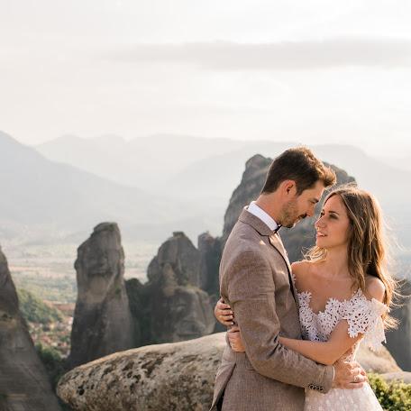 Wedding photographer Spyros Karvounis (spyroskarvounis). Photo of 19.07.2017
