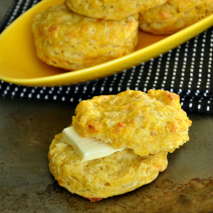 a Red Lobster Cheddar Bay Biscuit copycat... with a twist!