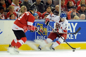 Photo: Dominik, Spokane Chiefs, dříve HC Oceláři Třinec, HC Frýdek-Místek. Draft: Pittsburgh Penguins (5. kolo, 144 pozice, sezóna 2011).