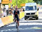 """Ineos moet het met een mannetje minder doen in Tour de France: """"Leek alsof ik tegen muur aanknalde, het licht ging uit"""""""