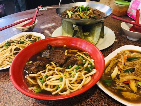田新牛家莊 溫體牛肉火鍋+牛腩鍋、牛肉麵、全牛快炒合菜