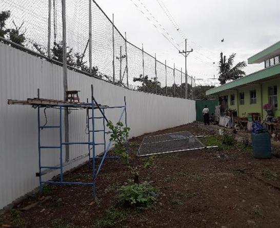 PRIVADOS DE LIBERTAD CONSTRUYEN MALLA PERIMETRAL EN CENTRO PENITENCIARIO DE PUNTARENAS