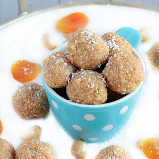 Healthy Energy Bites with Dates, Apricots, Cashews & Coconut.