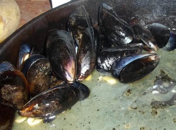 Mussels, Oven Roasted With Garlic Butter Sauce