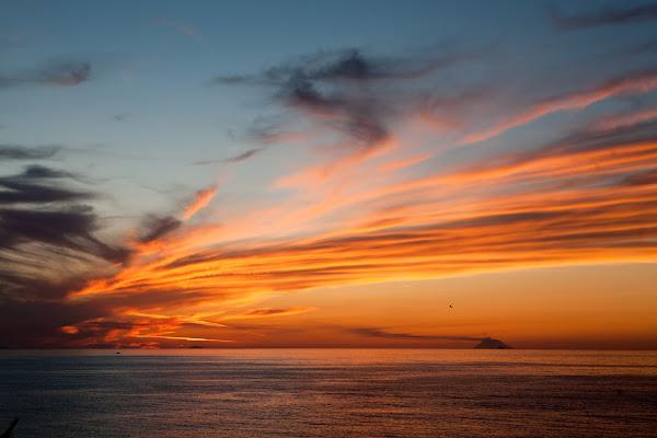Sullo sfondo le isole eolie di Fiorenza Aldo Photo
