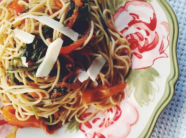 Spaghetti With Anchovy, Fresh Spinach & Tomatoes