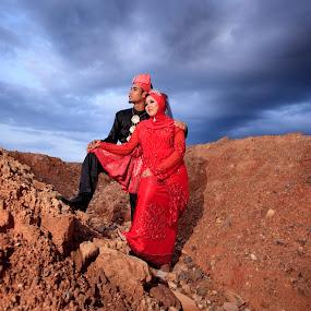 by Hanif Ismail - Wedding Bride & Groom