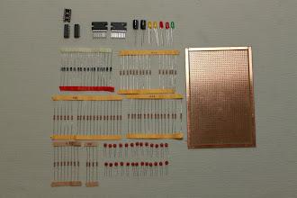 Photo: Componentes eletrônicos e placa ilhada 19/12/11 - Fui na Rua St. Ifigênia e adquiri os componentes eletrônicos. Depois irei postar aqui a lista com os valores de cada componente