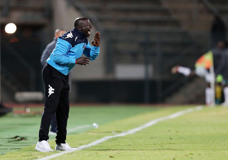 Newly appointed SuperSport United head coach Kaitano Tembo, in his first assignment as a permanent coach for the 2018/19 Absa Premiership season, barks out instruction to his players during a game against AmaZulu at the Lucas Moripe Stadium, Atteridgeville on August 8 2018.