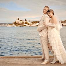 Wedding photographer Elena Lavrenteva (Elenlav). Photo of 06.01.2014