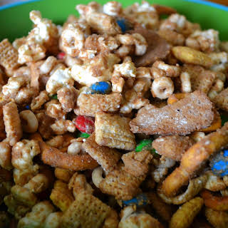 How to make a Road Chip Muddy Buddies Snack.