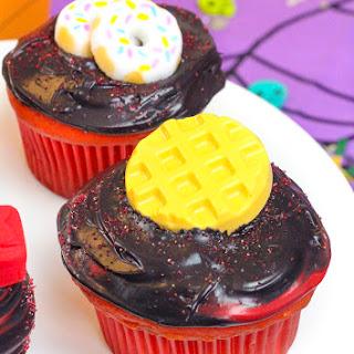 DIY Stranger Things Surprise Cupcakes!.