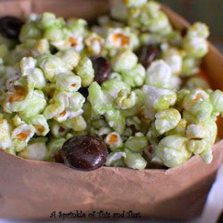 Shamrock Popcorn Mix