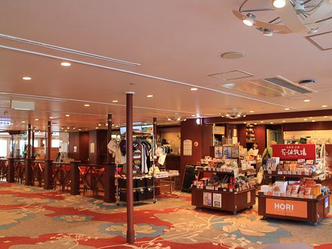 新日本海フェリー らべんだあ 5デッキ 売店とカフェ