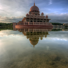 Putrajaya Mosque by Mohd Tarmudi - Buildings & Architecture Places of Worship ( putrajaya )