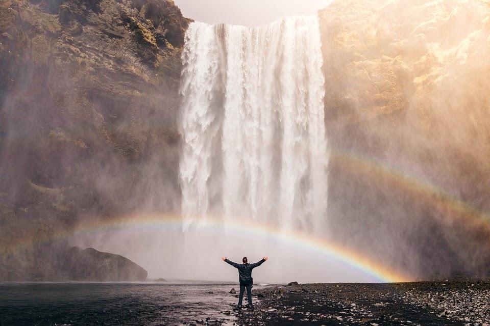 滝, 虹, スプレー, 水, 流, カスケード, 人, 自由, 川, 小川, 風景, 石, 流れる