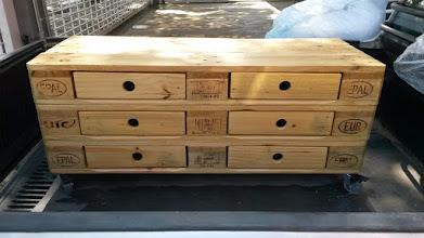 Photo: Rack euro, estrutura para incluir gavetas. http://madeirausada.com.br/