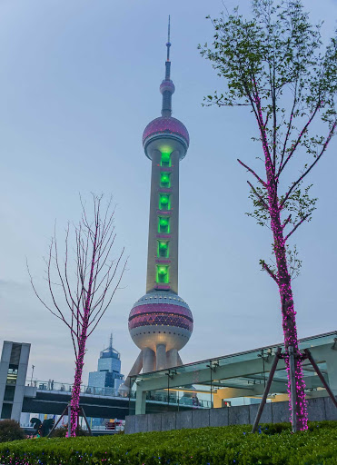 Pearl-Tower-Shanghai - Pearl Tower in the Lu Jia Du District of Shanghai (HDR photo).