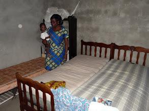 Photo: pour son petit internat, nos lits et matelas sont déjà installés