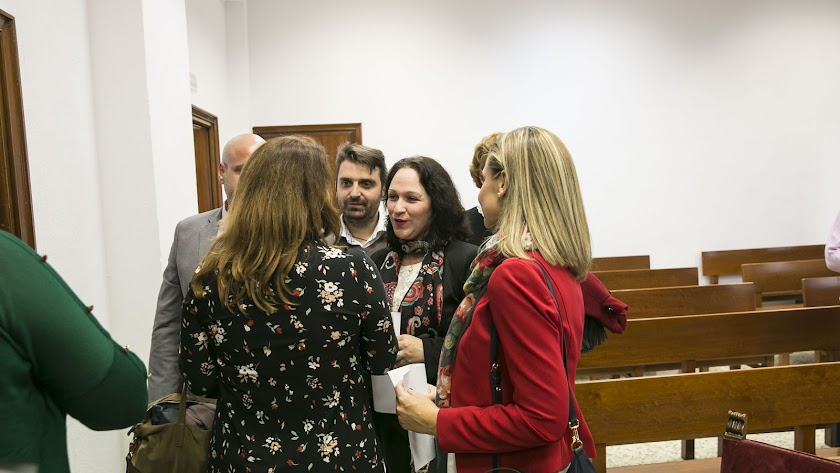 La diputada almeriense Luz Belinda Rodríguez con representantes del Partido Popular