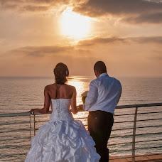 Wedding photographer Alexander Zitser (Weddingshot). Photo of 11.02.2019