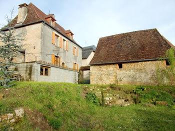 maison à Hautefort (24)