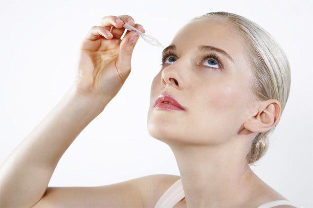 Как правильно одевать и снимать оптические контактные линзы