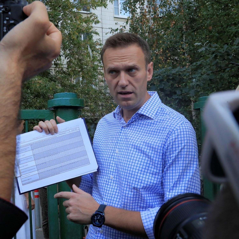 Alexei Navalny confirms Angela Merkel visited him in hospital