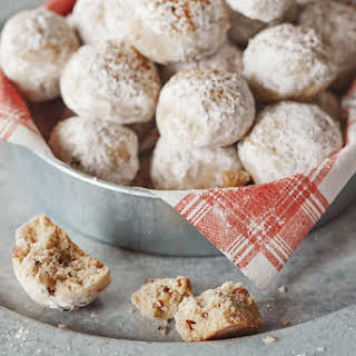 How To Make Spiced Mexican Wedding Cookies.