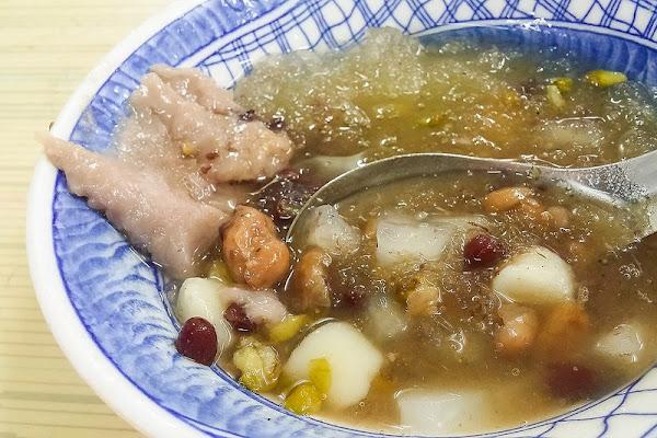 大菜市 江水號 民國二十年創立的老字號冰店,八寶冰消暑~芋頭綿密好吃!