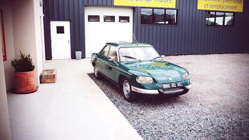panhard 24 ct véhicule ancien restauré
