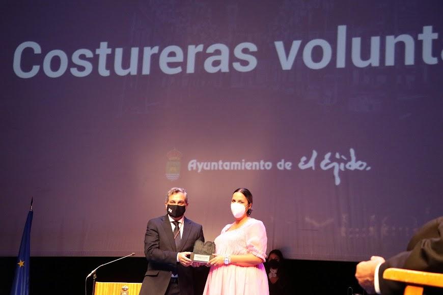 Se reconoció la labor del voluntariado de Costureras.