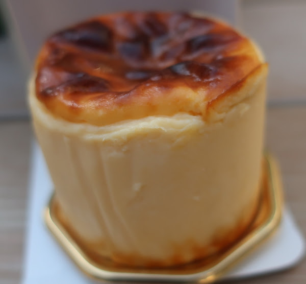 渋谷区広尾 ふわトロバスクチーズケーキ BELTZ