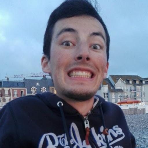 Antoine court à la course des 2 châteaux pour soutenir L'Arche à Compiègne !