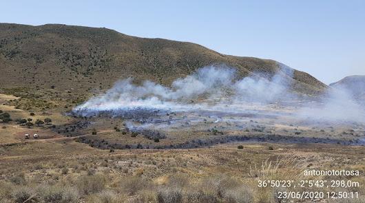 Segundo incendio forestal del verano: fuego en el paraje La Serrata de Níjar