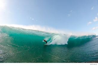 Photo: Chris Ward, Hawaii. Photo: Noyle/SPL  #waterphotography