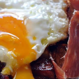 Huevos Rotos Con Jamon.