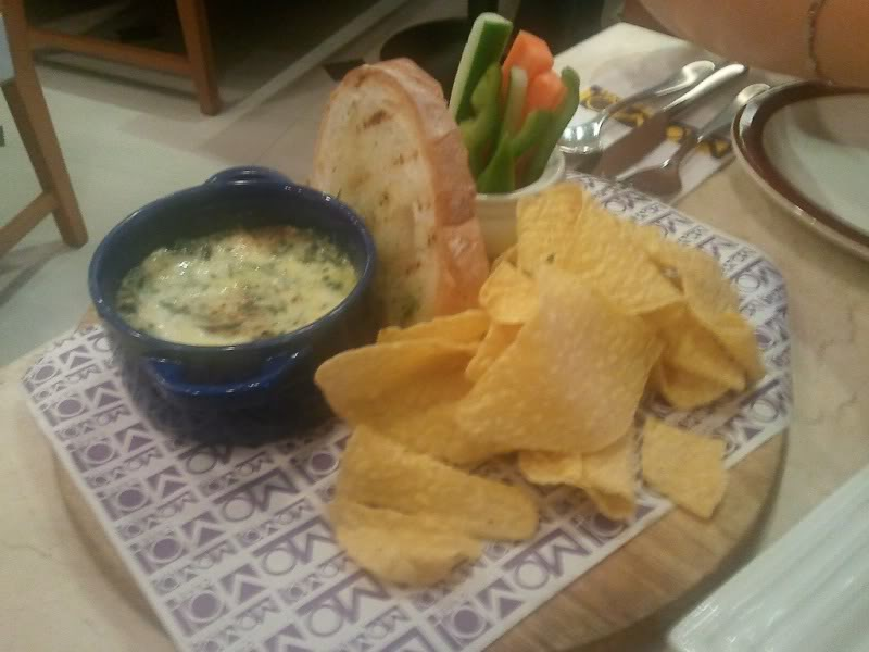 melted crab and spinach blue cheese dip