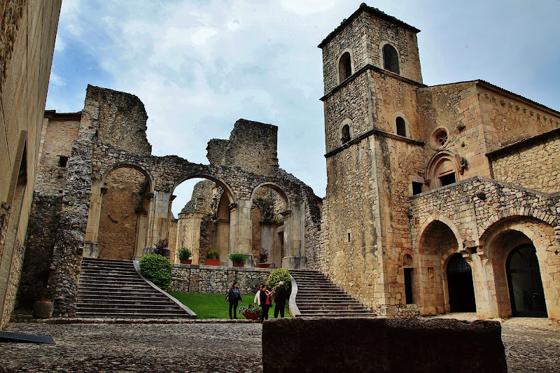 Sito archeologico chiesa e abazia del Goleto di carlo fierro