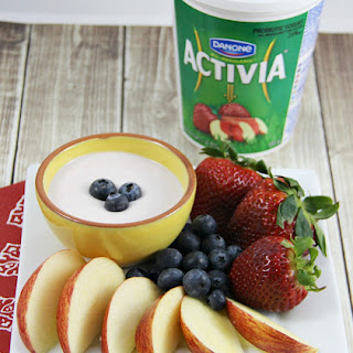 4 Ingredient Yogurt Fruit Dip