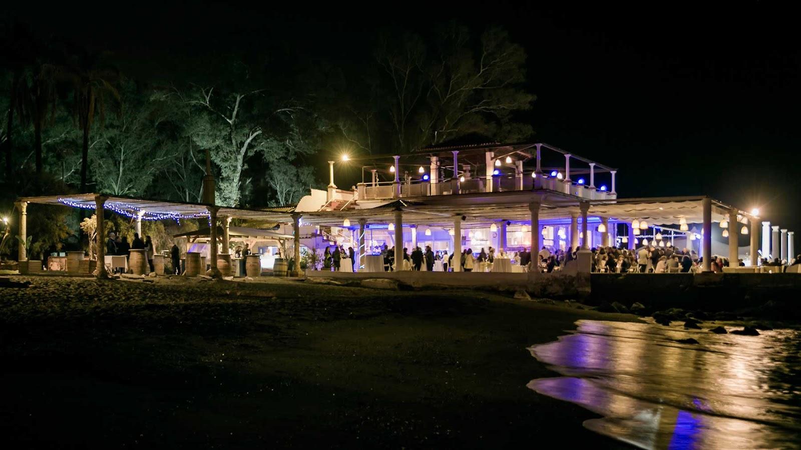 balneario de málaga de noche