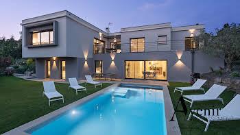 Maison 8 pièces 425 m2