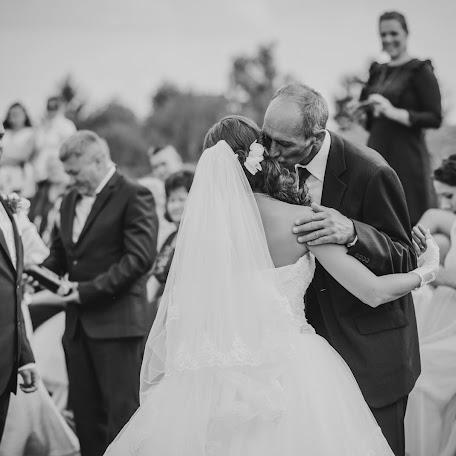 Wedding photographer Kata Sipos (sipos). Photo of 21.12.2016
