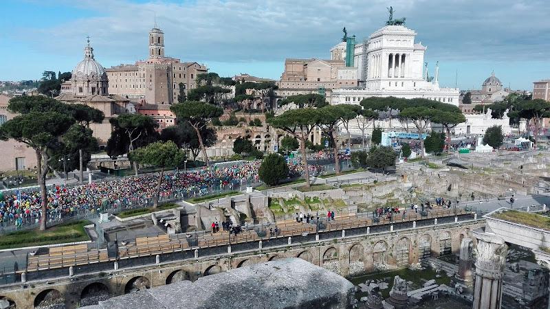 Runners and Ruins di mariolulu